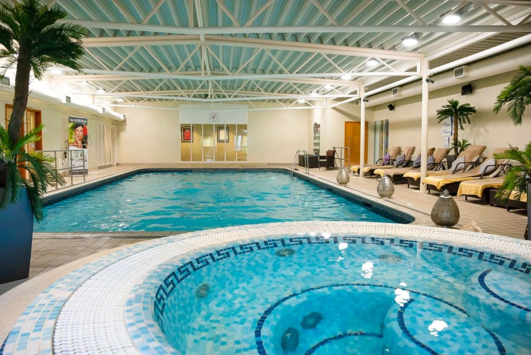 Holiday Inn Guildford & Natural Light Spa